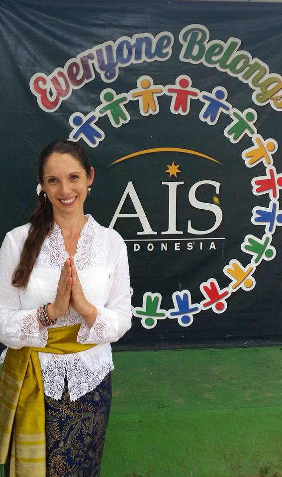 Natasha teaching at the Australian School Bali